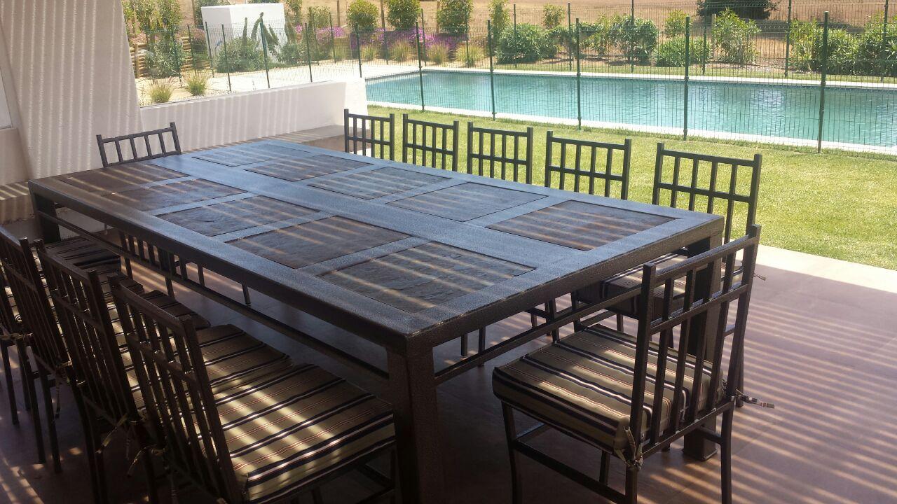 Comedor 12 personas fierro muebles y terraza for Comedores exteriores para terrazas