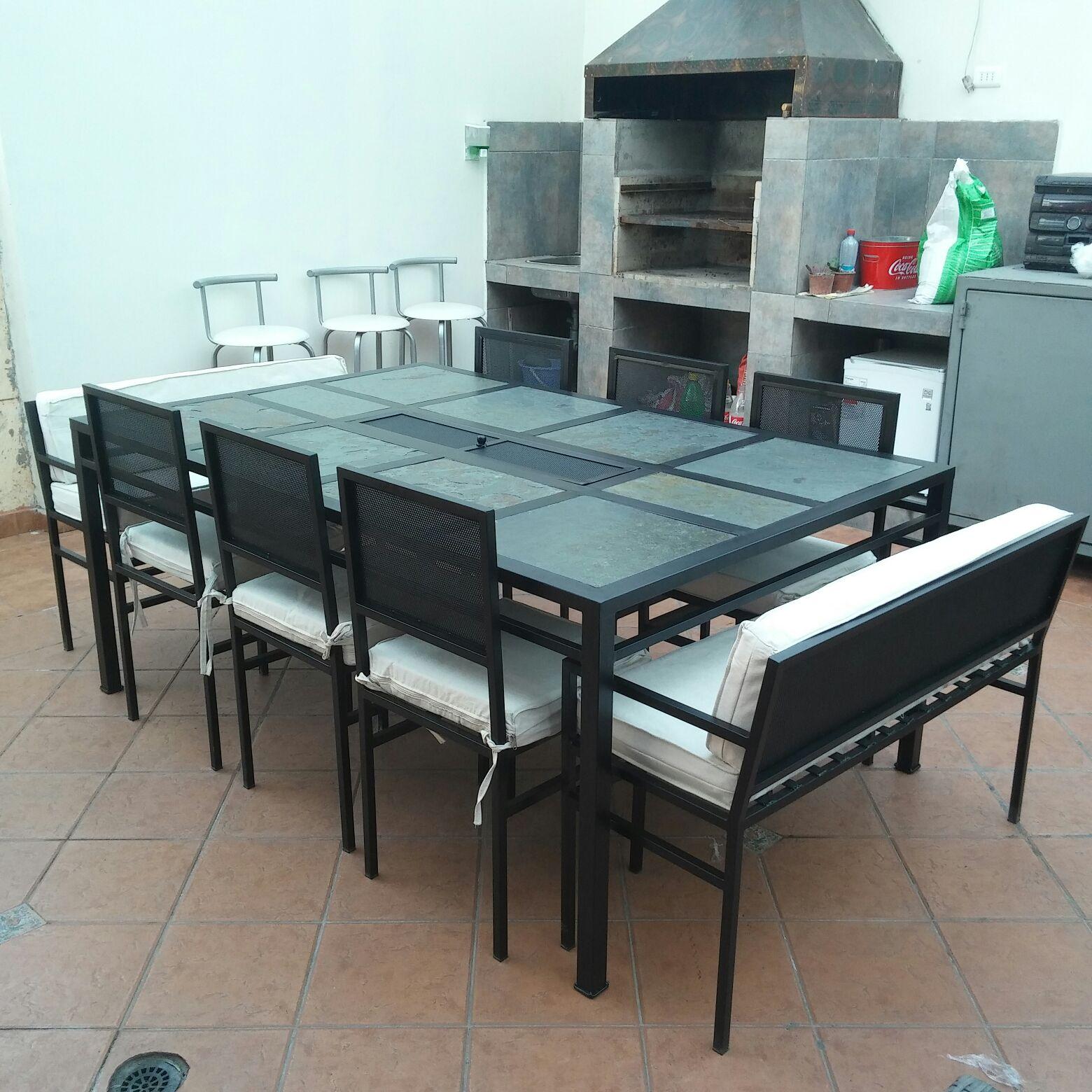 Comedor 10 personas fierro con brasero muebles y terrazas for Mesa para 10 personas